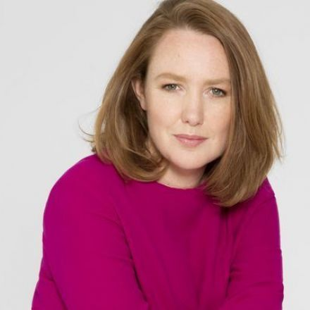Dive in to Paula Hawkins' Scary 'Into the Water'