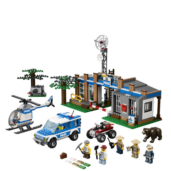 LEGO City Police Forest Police Station 4440 Toys