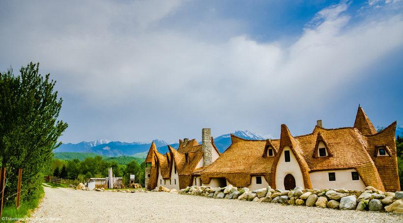 Глиняный замок Долины Фей — поистине сказочное место в Румынии