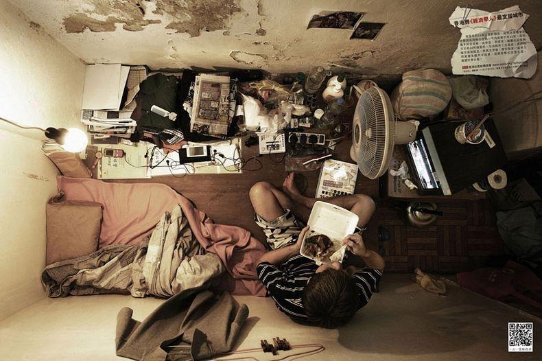 Apartemen Hong Kong Makan Sendirian di Kamar