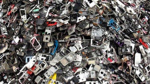 Tráfico de residuos electrónicos: La tragedia electrónica (2014)