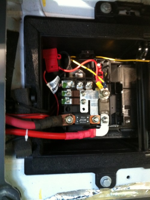 small resolution of battery mounted fuse block bolts ram promaster forum 2015 ram promaster fuse box 2015 ram promaster fuse box diagram