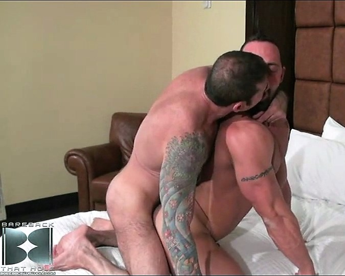Nick Moretti and Luca Bondi (Bareback That Hole)