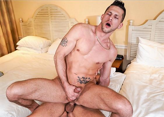 Rub Me Down: Roman Todd & Cade Maddox – Gay Massage House 6