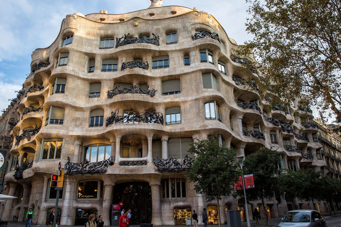 Best Things to do in Barcelona Spain  Earth Trekkers