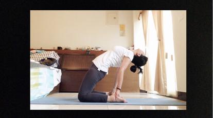夏日抒心筋經瑜珈練習篇-第四式:駱駝式