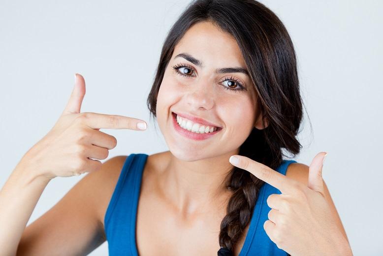 別傻了!誰說牙齒潔白一定要花錢?這4個天然秘方還你迷人笑容!(下)