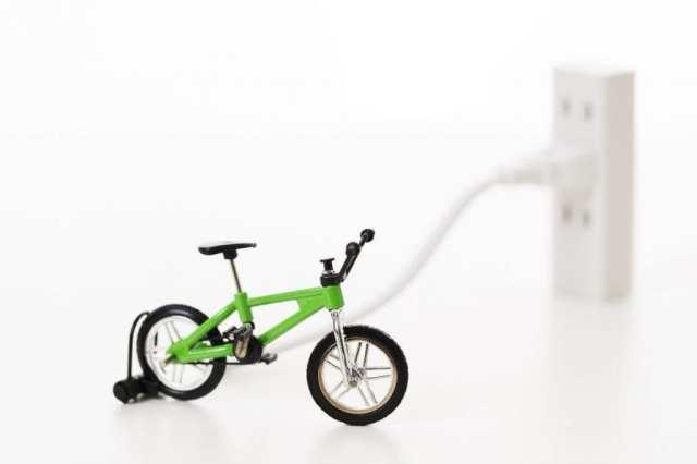 電動アシスト自転車 充電(イメージ)