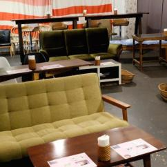 Living Room Theater Drink Menu Ideas For Black Leather Couches A Multicultural Area In Okinawa Donut Small Cafe Recommended Donuts Are Sunny Lemon And Double Chocolate Crunch Whiskey Beer Also On The Those Audiences Who Want To Watch Movies