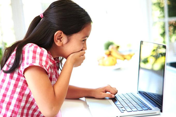 初めて英語に触れるお子さんから、プリスクールを卒業したお子さん、帰国子女まで、英語の経験にあわせたテキストを使い、多様な表現を無理のないペースで学んでいきます。