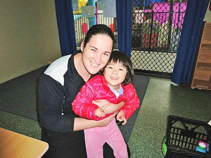 オーストラリア親子留学中、幼稚園での先生との様子