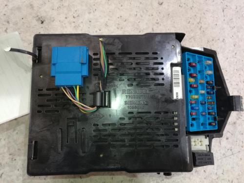 small resolution of view auto part fuse box renault scenic 2001