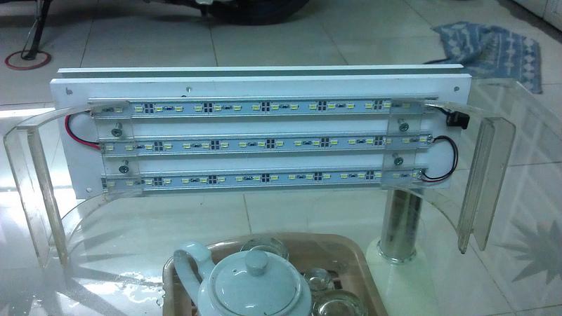 máng đèn 5630 chân nhựa