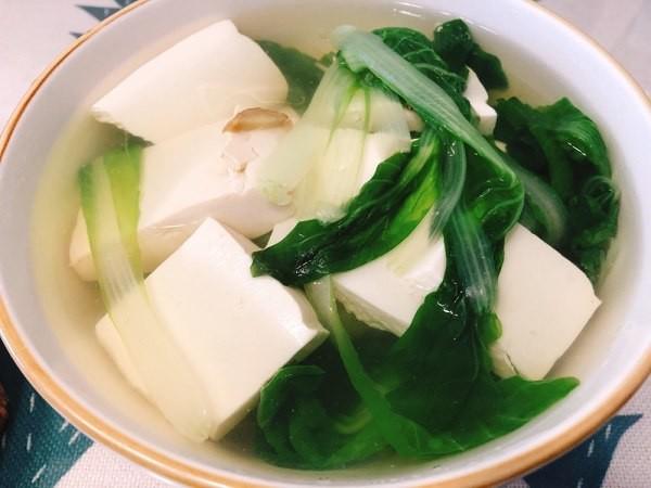 清淡滋味~15分鐘完成白菜豆腐湯~ | UrbanLife 健康新態度