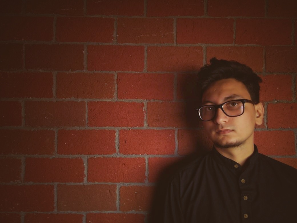 meet-daaniyal-a-brilliant-writer-verse-maker-and-co-founder-of-spill-poetry-ss-interview