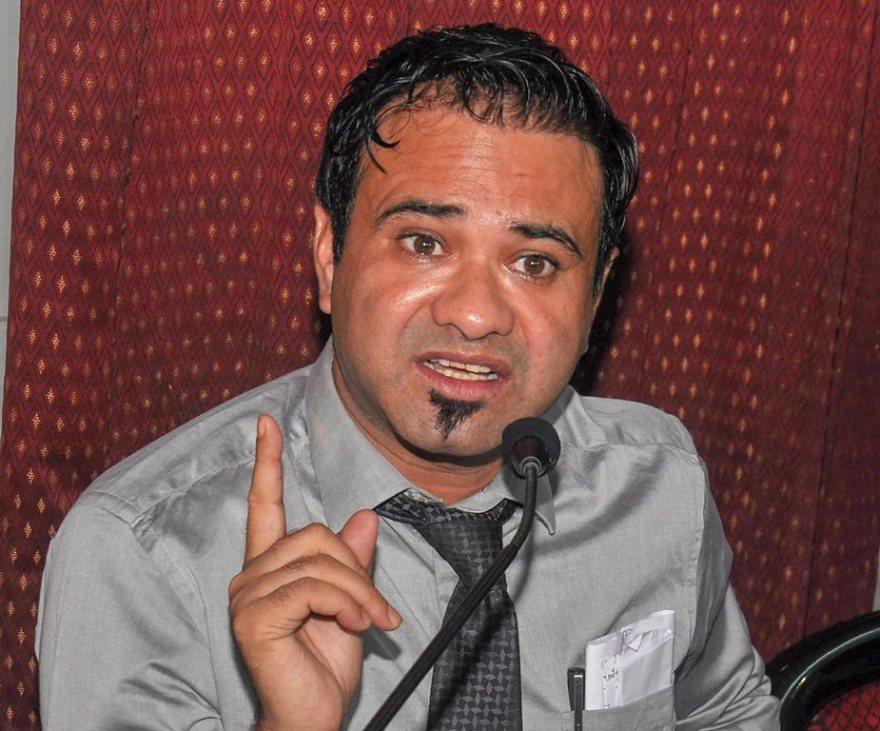 لکھنؤ میں گزشتہ اتوار کو ڈاکٹر کفیل خان نے پریس کانفرنس کی۔ (فوٹو : پی ٹی آئی)