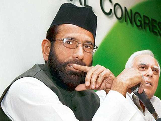 مولانا توقیر رضاکا الزام؛ آر ایس ایس کی گود میں مسلم پرسنل لاء بورڈ