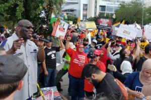 22 ستمبر کو ٹیکساس کے ہیوسٹن میں ہاؤڈی مودی پروگرام کے دوران مظاہرین۔