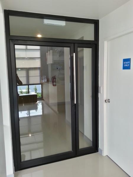 ประตูทางเข้าไปในโซนห้องพัก