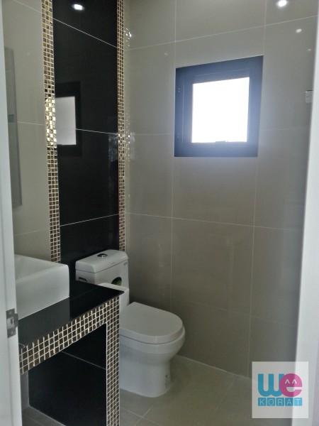 ห้องน้ำชั้นล่าง