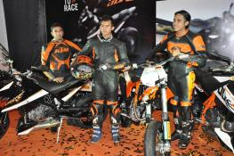 KTM-Duke-R-2011-Launch-101