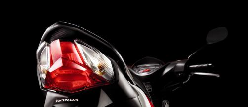 Honda-Wave-Dash-19-Diamond-shaped-Rear-Light
