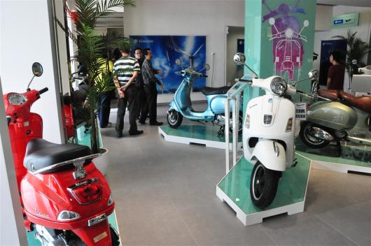 Piaggio Liberty 150cc Launch at New Vespa Showroom - 15