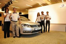 The-New-Volkswagen-Trio-Passat-Sedan-Jetta-Cross-Touran-24