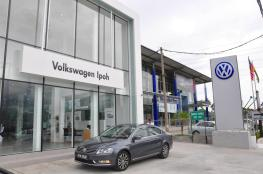 The-New-Volkswagen-Trio-Passat-Sedan-Jetta-Cross-Touran-27