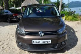 Volkswagen-Cross-Touran-05