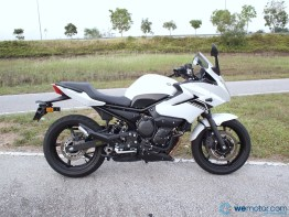 2013 Yamaha XJ6 Diversion 008