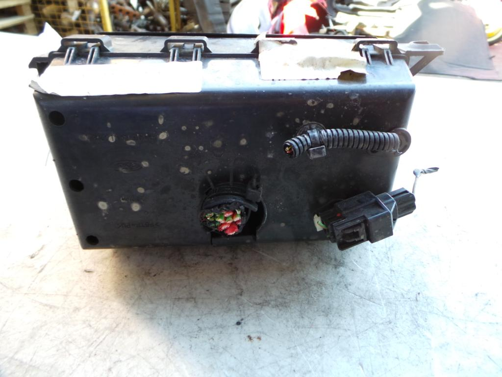 hight resolution of view auto part fuse box ford focus 2003