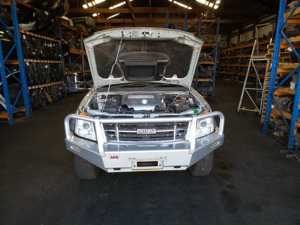 hight resolution of view auto part bonnet scoop isuzu dmax 2009