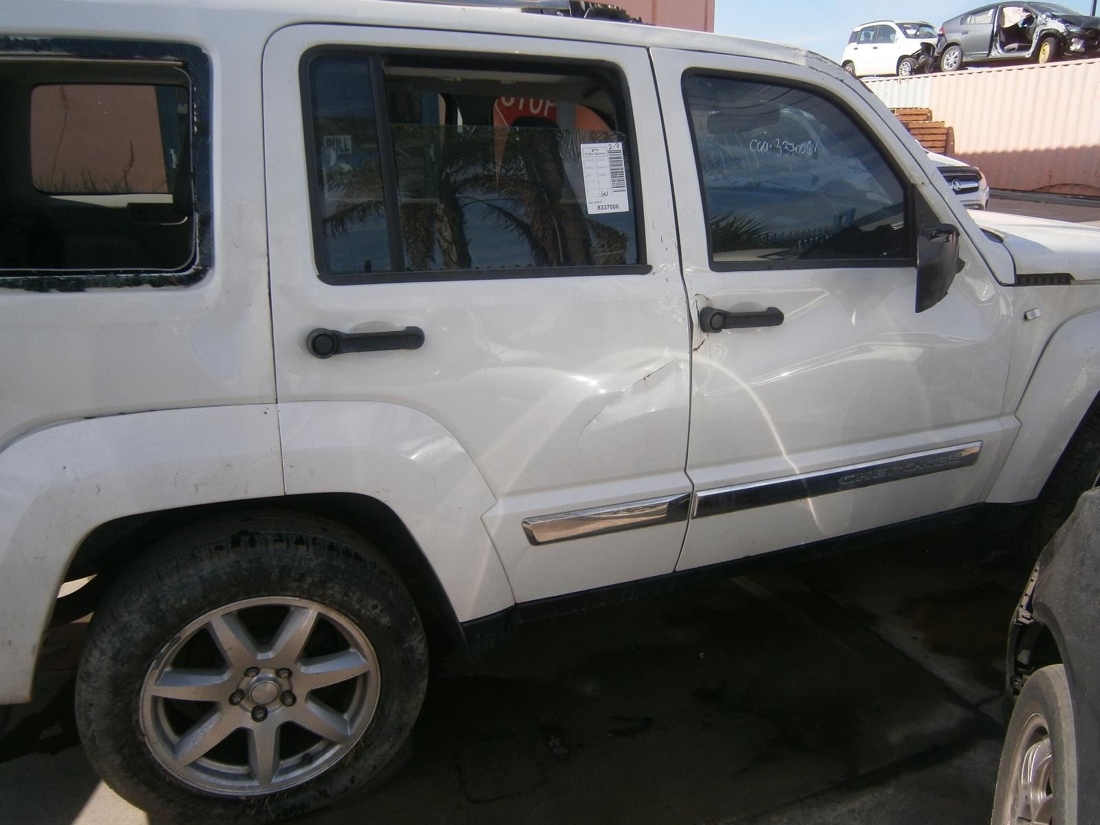 hight resolution of view auto part radiator jeep cherokee 2008
