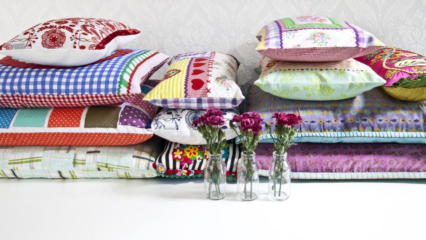 Cojines bordados decoracin creativa  WESTWING