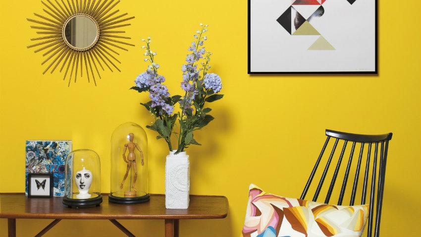Pared amarilla combnala con estilos y colores  WESTWING