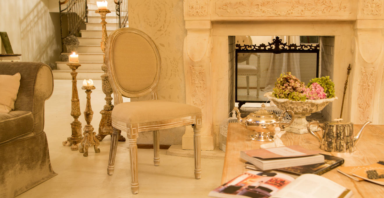 Barocco sontuosi colori ed eleganti mobili  DALANI