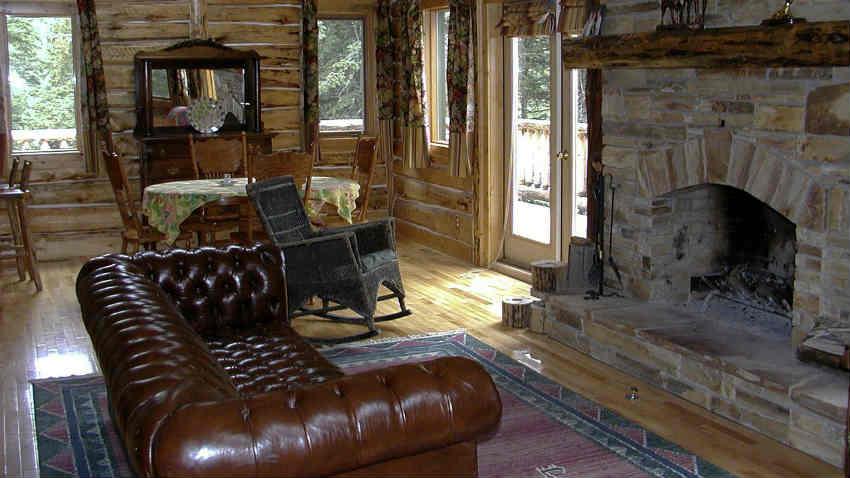 Soggiorno rustico arredamento in legno per la casa  DALANI