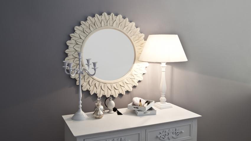 Mooie landelijke  scandinavische houten spiegels  Westwing
