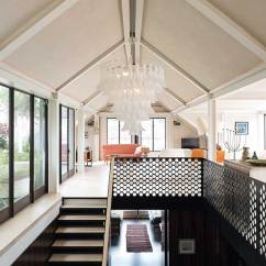 Open Plan Staircase In Living Room Cafe By Eplus %e3%83%a1%e3%83%8b%e3%83%a5%e3%83%bc 15 Design Ideas For Vaulted Ceilings | Homebuilding ...