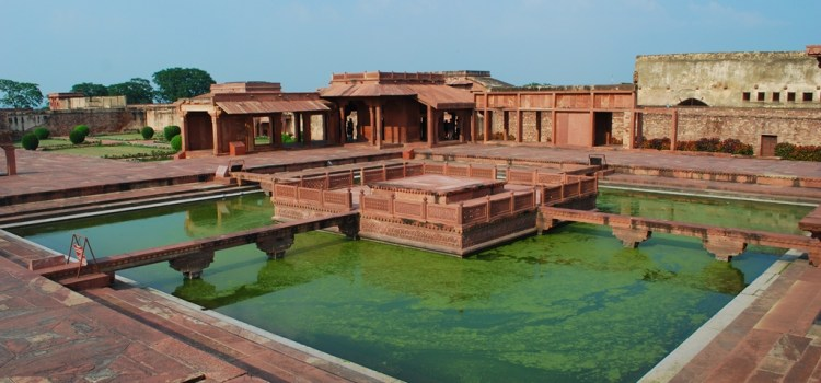 A mixture of visionary planning using water features, architectural relief, flexible envelope enabled natural cooling of Sikri Palace. Picture credit: Sanyam Bahga