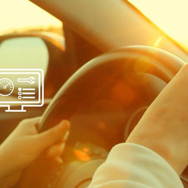 Med denne lille dingsen gjør Telenor bilen din smart