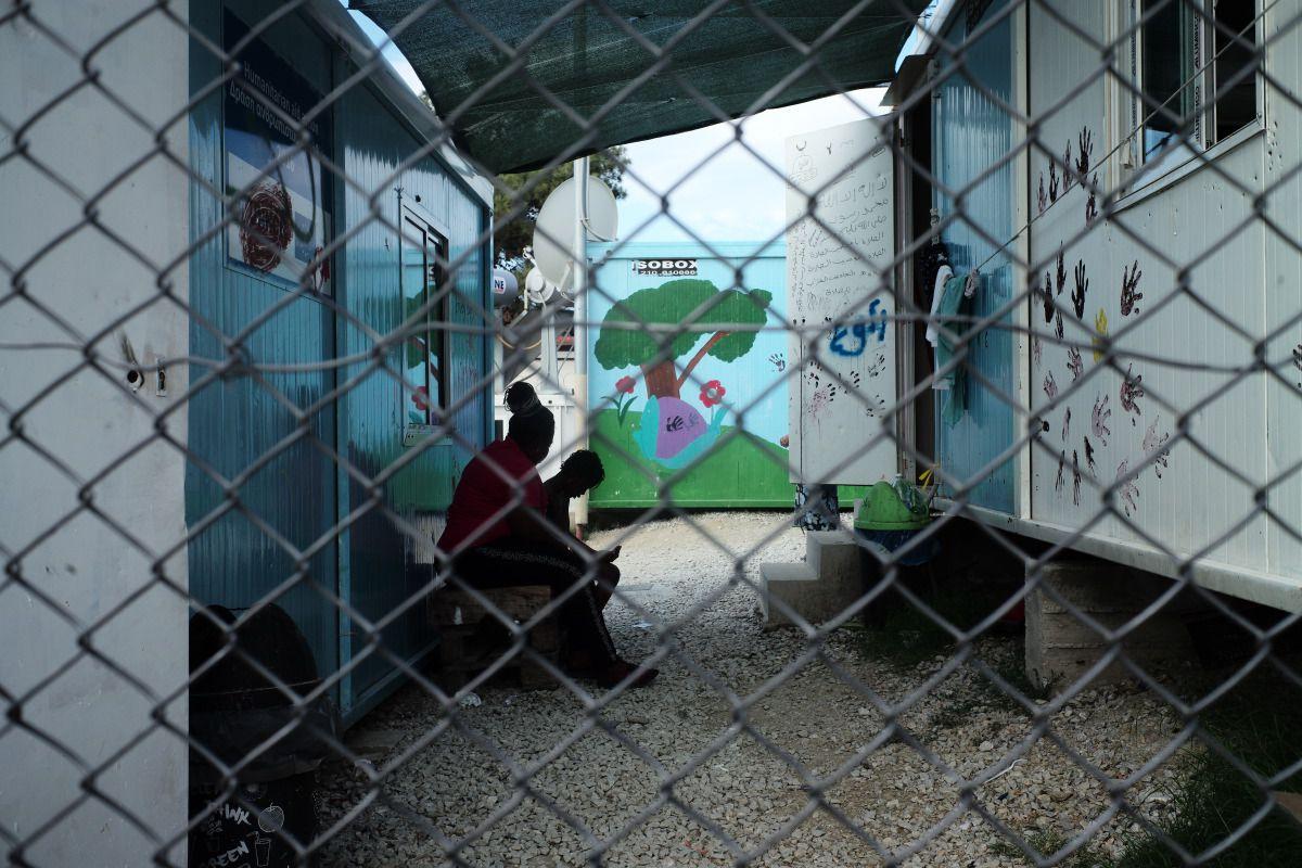 med-land-project-greece-refugees-for-refugees-moira-camp