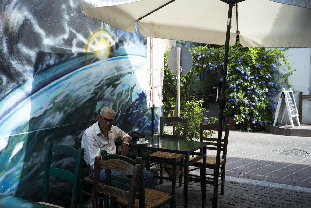 mitilini-coffee-bar-street-art-med-land-project-greece