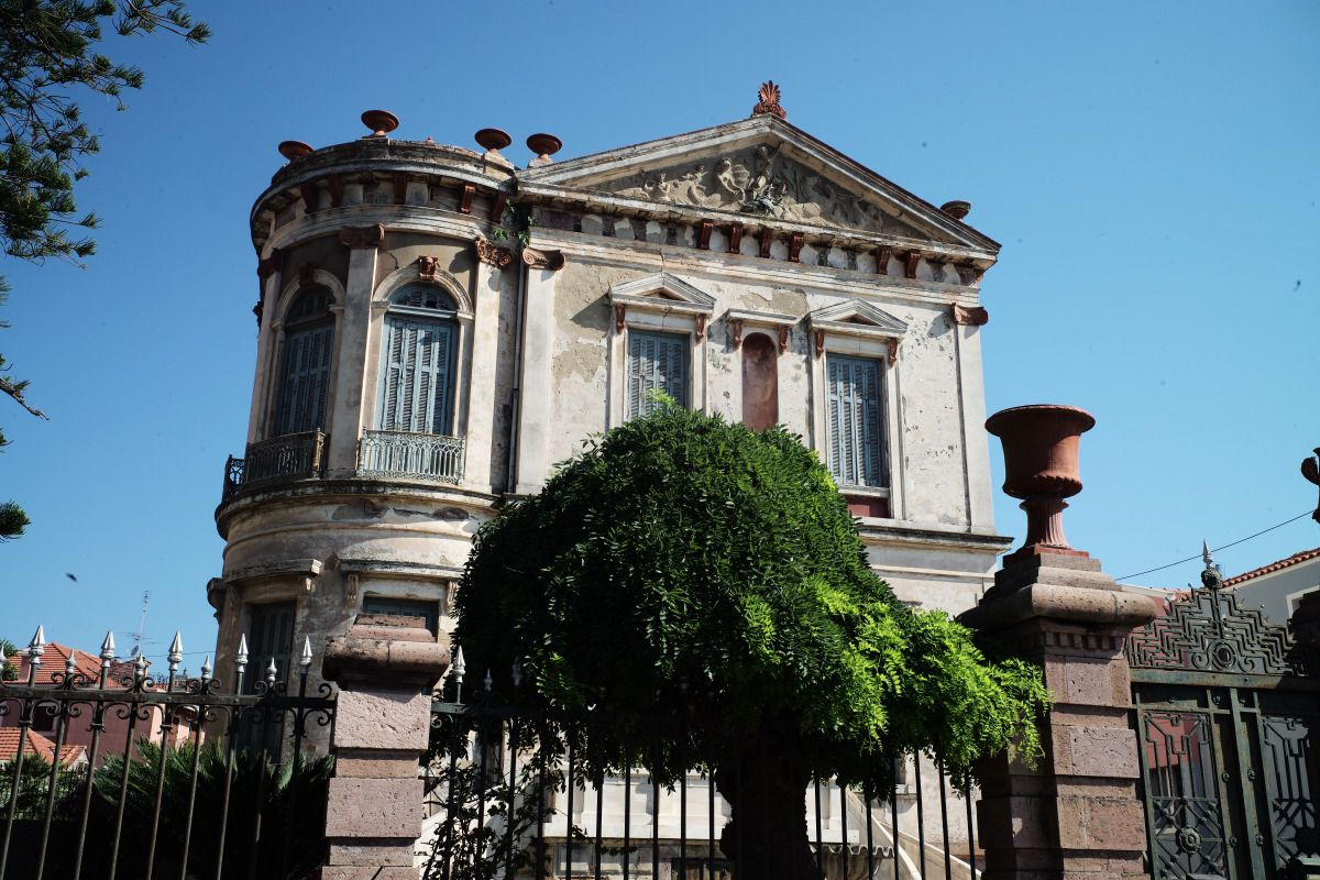 noble-villa-mytilini-greece-med-land-project