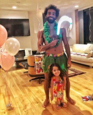 محمد صلاح يحتفل بعيد ميلاد مكة