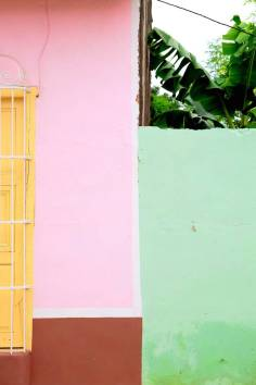 beautiful-colors-and-geometry-of-the-cuban-architecture-15-900x1350