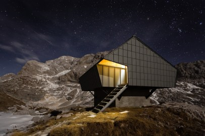 Architecture_AlpineShelter_BivakNaPrehodavcih_PremicaArchitects_2