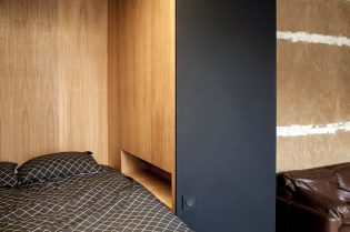 Architecture_ArnaudApartment_BatiikStudio_BertrandFompeyrine_06-710x473
