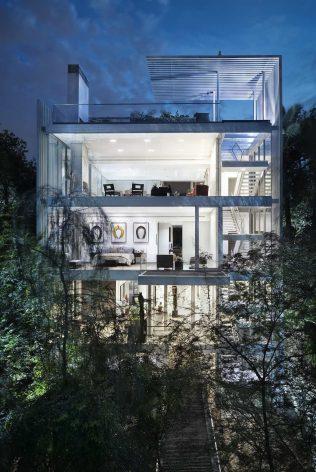 Vertical_House_Miro_Rivera-Architects